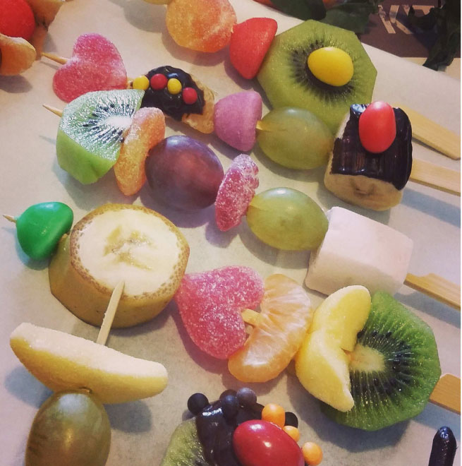 brochette-fruits-bonbons
